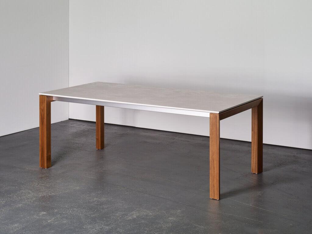 Outlet Tisch BASE-X | Art. Nr. N1913